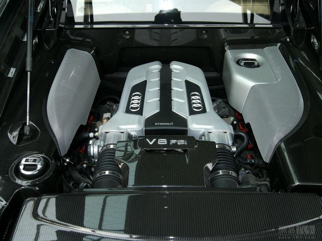 新奥迪r8 ,3.8秒(0-100km/h) 折叠 中置发动机 4.