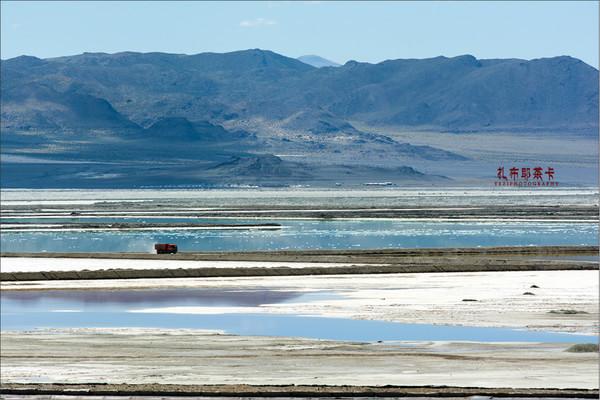 陆水湖是国家级重点旅游风景名胜区,位于湖北赤壁市,因三国 东吴名将