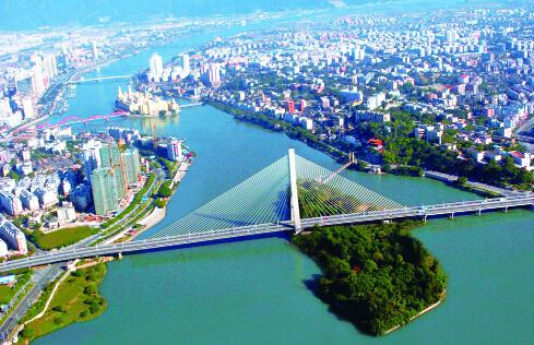 2014年,福州新区在城市基础设施方面,重点推进马尾大桥,仓山环岛路