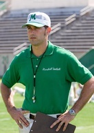 马歇尔大学橄榄球队_马歇尔大学橄榄球队前教练助理,因为错过班机侥幸逃过一劫.