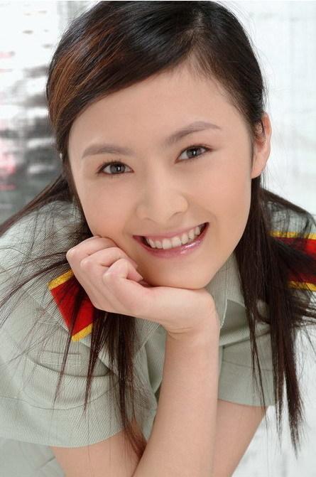 古装武侠剧《马鸣风萧萧》中饰演风雷堡的总令主铁海棠的女儿铁小薇.