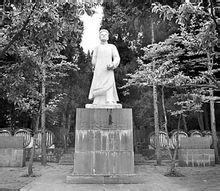 锦屏县龙大道烈士陵园内龙大道烈士石雕