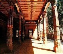 新疆喀什阿帕克和卓麻扎礼拜寺的大柱