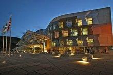 苏格兰议会大厦-米拉莱斯的作品