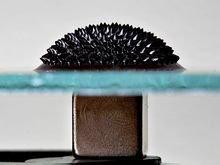 強磁場在鐵磁流體顯示正常場不穩定性