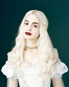 白皇后_360百科 Anne Hathaway