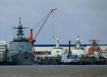 中国第四艘052D型驱逐舰下水_052D型驱逐舰_360百科